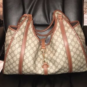 Large Gucci Shoulder bag in well kept condition